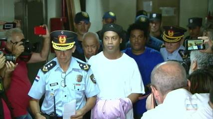 Após 23 dias, Ronaldinho Gaúcho permanece preso no Paraguai