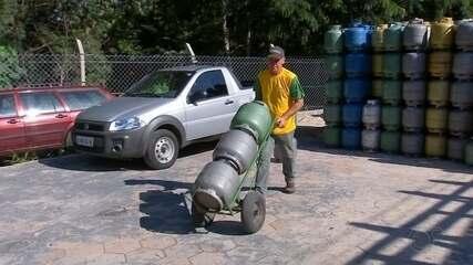 Distribuidoras registram falta de botijão de gás após consumidores estocarem produto
