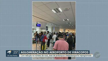 Passageiros registram aglomeração no embarque do Aeroporto de Viracopos em Campinas