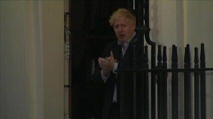 Boris Johnson é levado a hospital por sintomas de Covid-19
