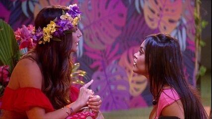 Após choro, Flayslane desabafa com Mari:'Faz tempo que eu fico triste com você como amiga'