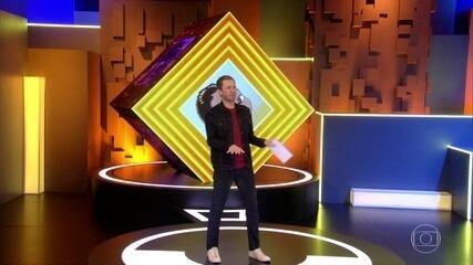 Tiago Leifert dança enquanto apresenta o Big Brother neste sábado