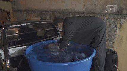 Igreja leva tanque até a casa de moradora de Tatuí para batizar durante a quarentena