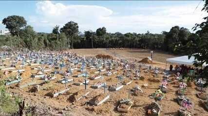 Média diária de enterros triplica em Manaus, e prefeitura abre valas comuns em cemitérios