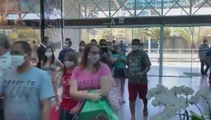 Shopping de SC registra grande movimento após portaria autorizar funcionamento na quarta (22)