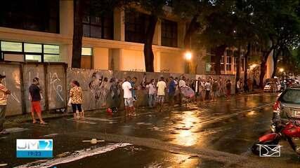 Na véspera do 'lockdown', São Luís registra grande movimentação nas ruas e filas em bancos