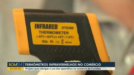 Termômetro infravermelho no comércio