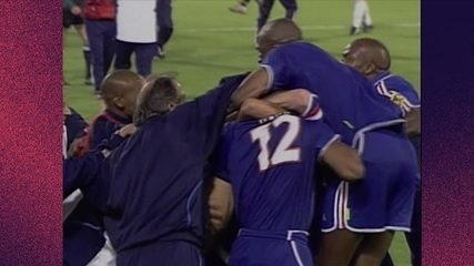Melhores momentos de França 2 x 1 Itália pela final da Eurocopa de 2000