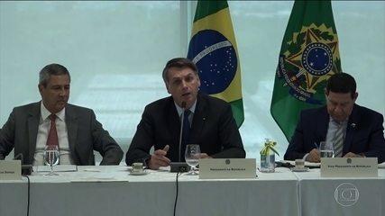 Bolsonaro critica sistema de informações e revela que tem sistema particular que funciona