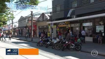 Centros comerciais de BH registram movimento com reabertura de lojas