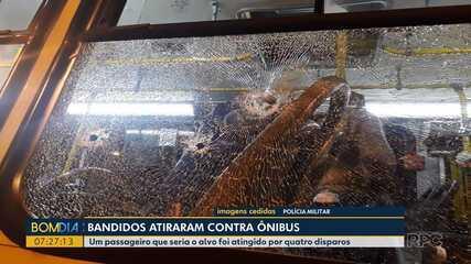 Bandidos atiram contra ônibus