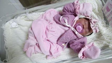 Câmeras flagram mulher dando à luz no carro, na porta da maternidade: 'Foi muito rápido'