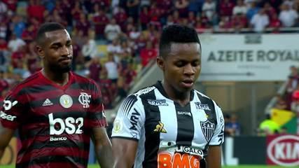 Cazares, do Atlético-MG, e Vinícius Popó, do Cruzeiro, testam positivo em exames de Covid