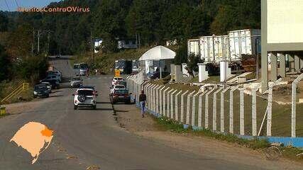 Frigorífico com surto de Covid-19 em Caxias do Sul tem seis novos casos entre funcionários