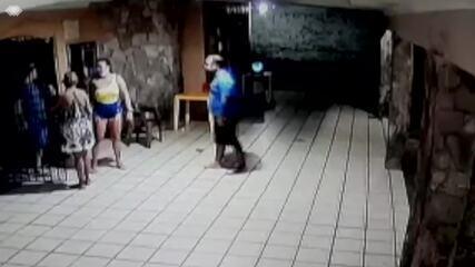 Dois homens são assassinados a tiros em bar da Zona Sul de Natal