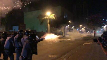 Polícia dispersa manifestantes em protesto em São Paulo