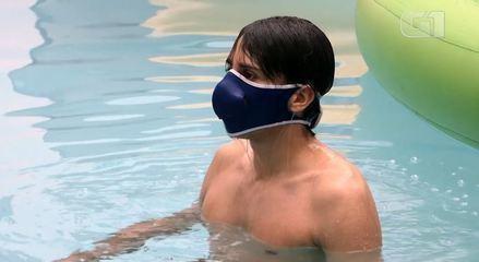 Empresa alemã desenvolve máscara para ser usada na piscina ou na praia
