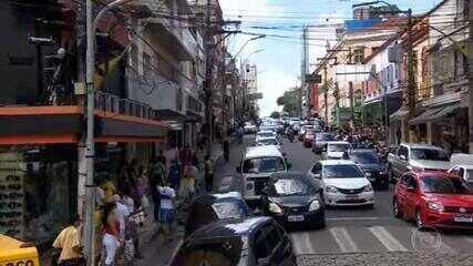 Avanço do coronavírus para o interior está ligado ao aumento do número de carros nas ruas