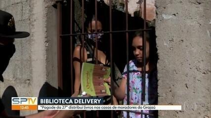 """""""Pagode da 27"""" distribui livros nas casas de moradores do Grajaú"""