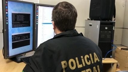 PF faz operação contra hackers suspeitos de vazar dados de Bolsonaro e de militares