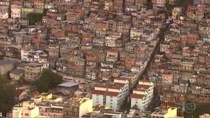 Pesquisa mostra que desemprego e endividamento aumentaram nas favelas do Rio