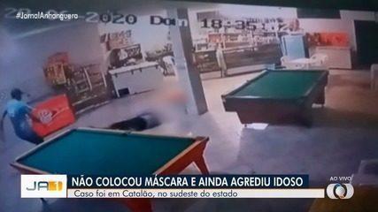 Dono de bar, idoso é agredido ao pedir para cliente usar máscara, em Catalão; vídeo