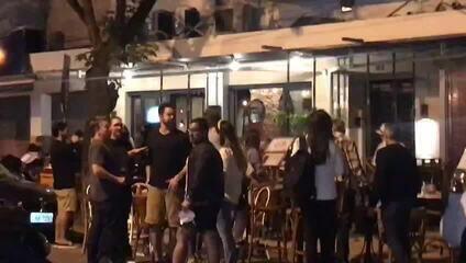 Vídeo mostra rua lotada no Leblon e desrespeito a regras de isolamento