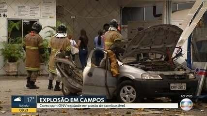 Carro explode em posto de gasolina em Campos