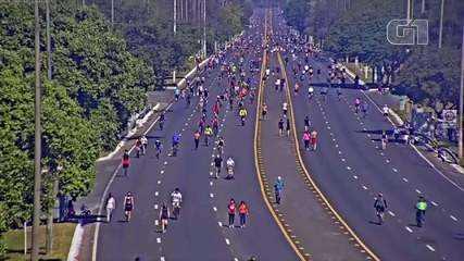 Câmeras do DER registraram movimento intenso de pedestres e ciclistas no Eixão do Lazer, em Brasília, neste domingo (5)
