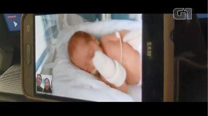 Casal vê filha que nasceu prematura através de videochamadas durante a pandemia