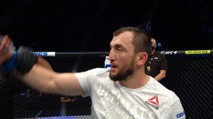 Melhores momentos de Elizeu Capoeira x Muslim Salikhov no UFC 251
