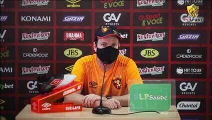 Messi ou CR7? Durval ria? Daniel Paulista responde perguntas da torcida do Sport