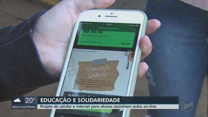 Projeto em Araraquara dá celular e internet para alunos assistirem aulas online