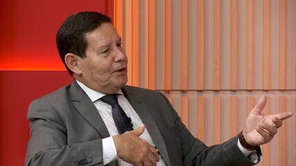 Mourão: 'Não queremos as Forças dentro do governo nem a política dentro dos quartéis'