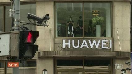 Governo britânico anuncia banimento da empresa Huawei das redes de 5G
