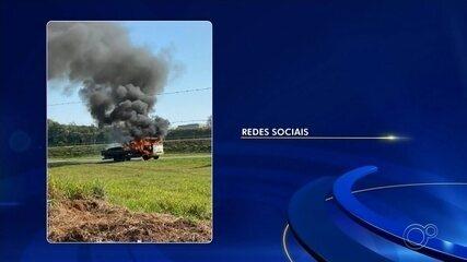 Caminhão pega fogo na Rodovia Castello Branco em Boituva