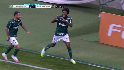 Gol do Palmeiras! Luiz Adriano bate pênalti e goleiro defende. No rebote, atacante vira o jogo, aos 42' do 2° tempo