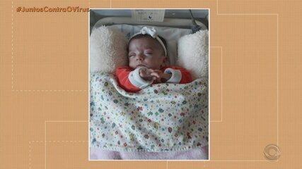 Bebê considerada prematura extrema recebe alta após cinco meses internada em Porto Alegre