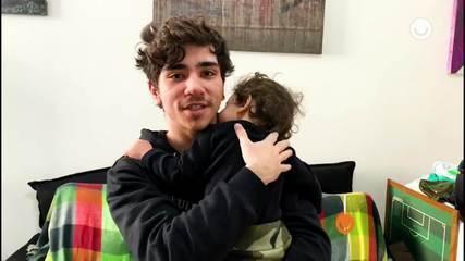 Ator João Fernandes conta como está sendo passar a quarentena com o filho