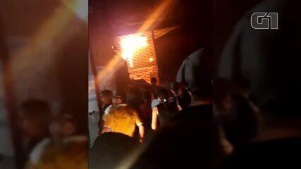 Incêndio atinge mercado do Guamá, em Belém
