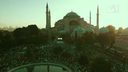 Santa Sofia, na Turquia, tem sua primeira oração do Aid al-Adha
