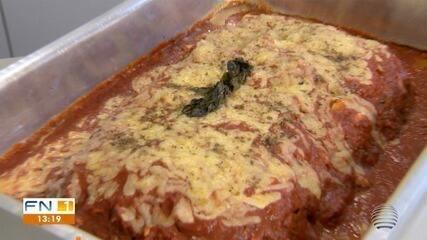 Repórter do G1 ensina a preparar receita de Bolo de Carne à Parmegiana