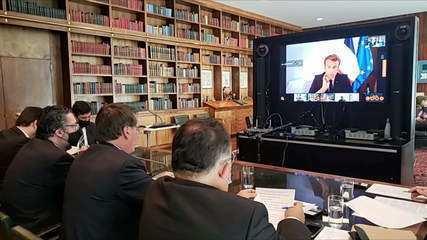 Bolsonaro anuncia ajuda ao Líbano e convida Temer para chefiar missão