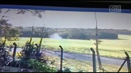 Vídeo mostra momento em que paramotor cai, em Foz do Iguaçu