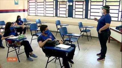 Rede pública estadual de Manaus retoma as aulas presenciais
