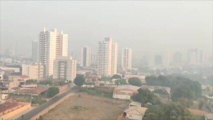 Fumaça encobre o céu de Cuiabá