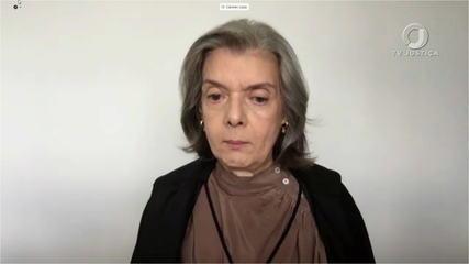 Ministra Cármen Lúcia diz que 'arapongagem' é crime