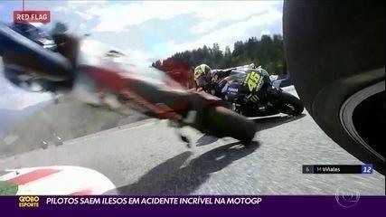 MotoGP: Rossi escapa de acidente incrível na Áustria