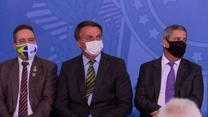Bolsonaro volta a atacar a imprensa em evento sobre Covid