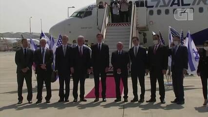 Integrantes dos governos de Israel e EUA fazem 1º voo para os Emirados Árabes